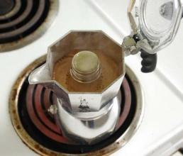 摩卡壶器具选购指南 摩卡壶器具的使用与认识