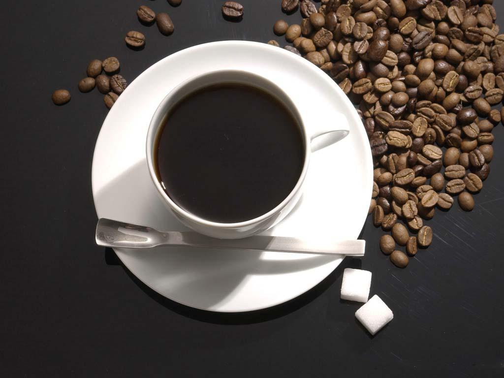 女人每天喝咖啡胸部真的会变小吗