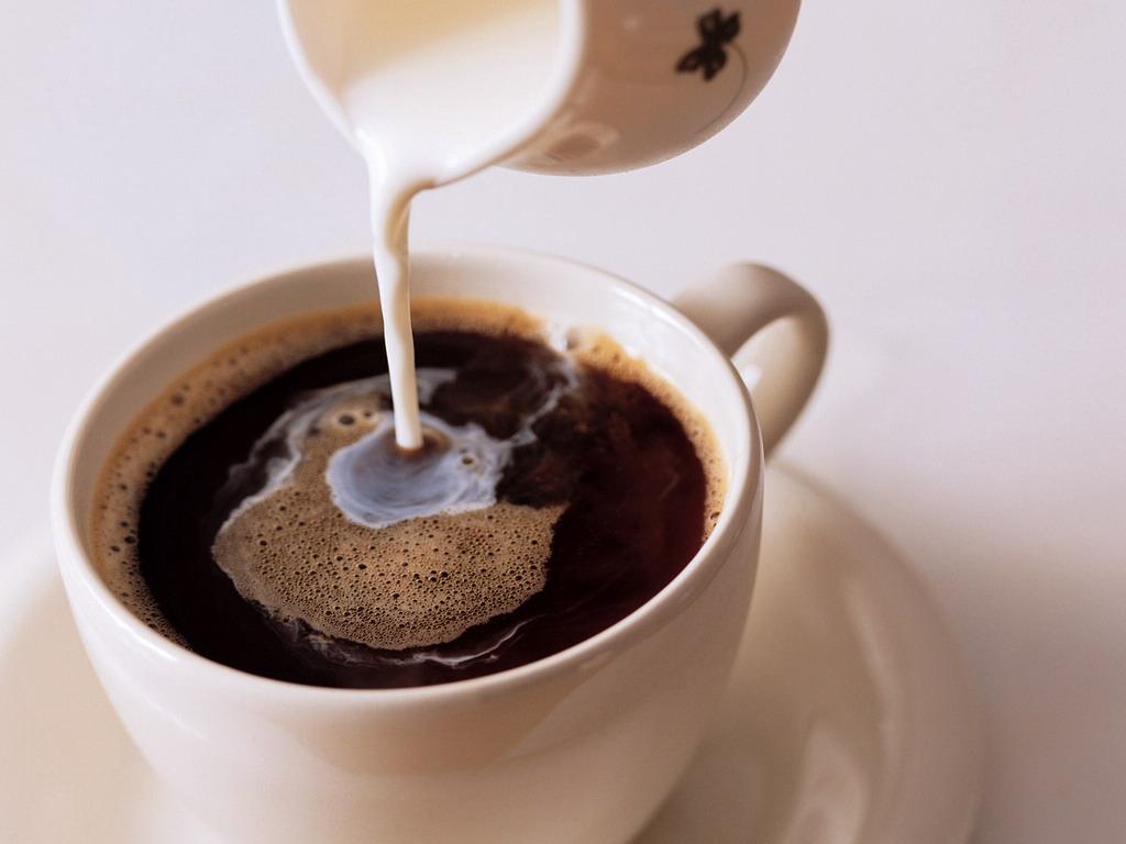 如何辨别ESPRESSO的品质、拿铁咖啡和卡布奇诺的异同