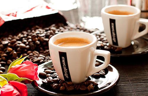 提神醒脑满血复活 茶or咖啡谁更强?