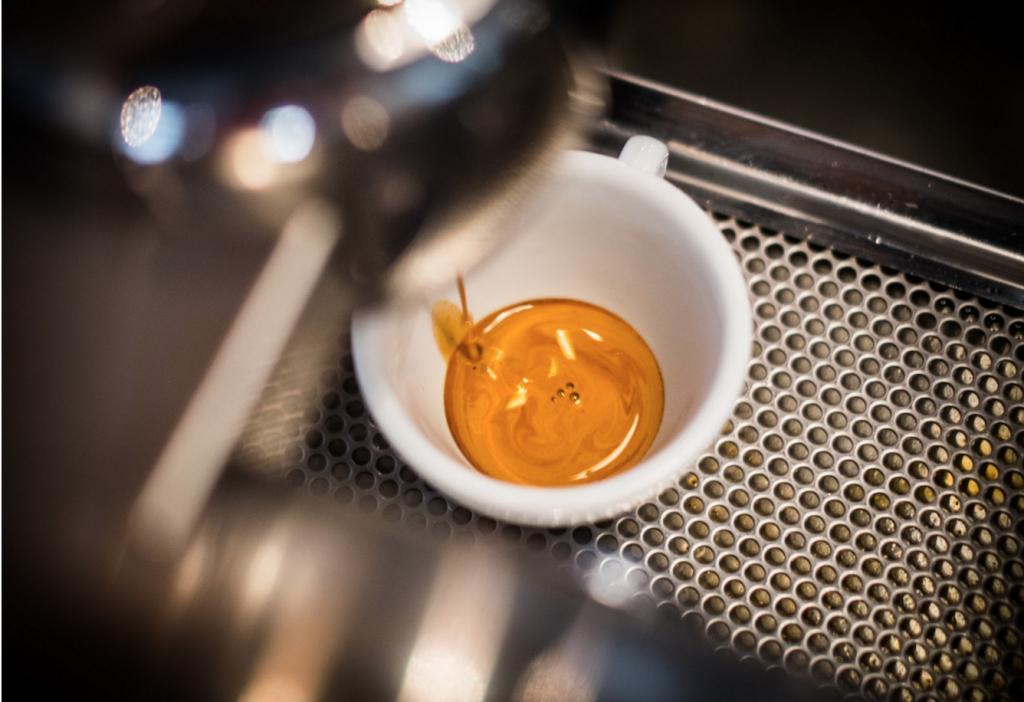 Crema正解:浓缩咖啡上的黄金泡沫,真的那么重要?
